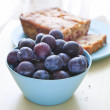 Plums and Plumcake — Stock Photo #12758069
