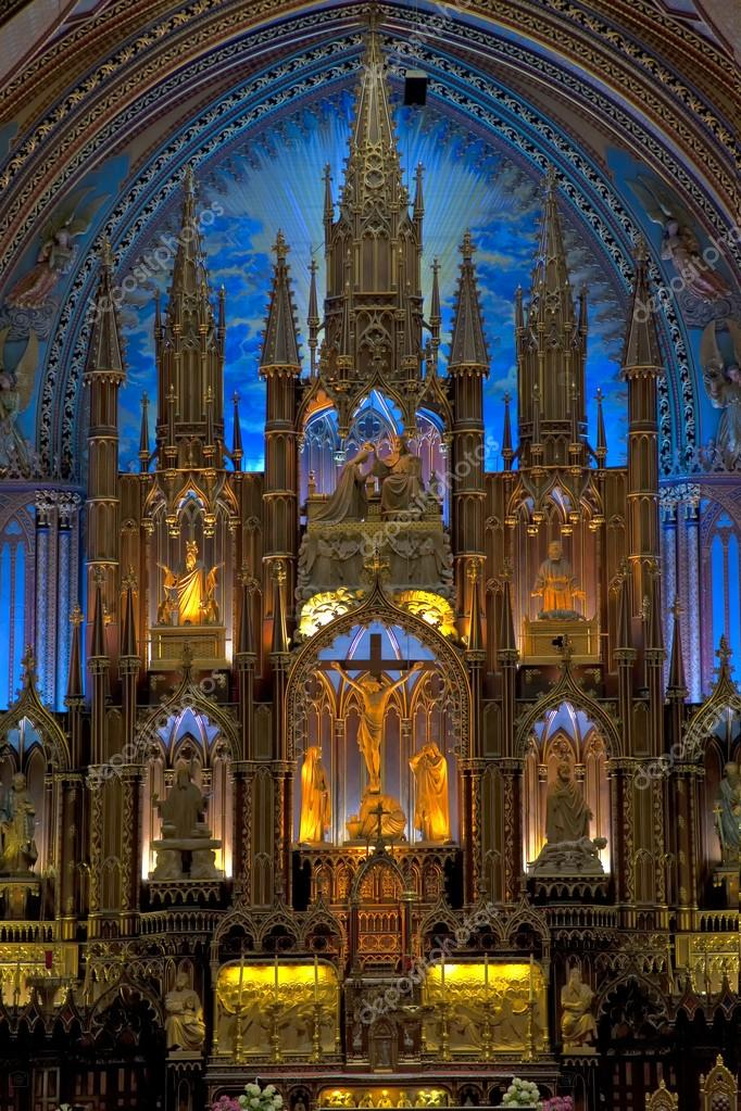 Interior view of Notre-Dame Basilica in Montreal, Quebec, Canada. — Stock Photo #18092257