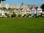 Victorian houses in Alamo Square — Foto Stock