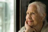 Schöne großmutter — Stockfoto