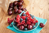 Berries on table — Stock Photo