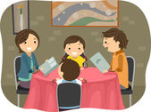 Familj med en middag på en restaurang — Stockfoto