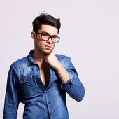 年轻时尚男模特 — 图库照片