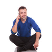 Casual man speaking on the phone — Stock Photo