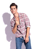 Man poses with unbuttoned shirt — Stock Photo