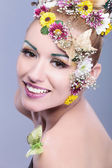 Beauty woman with floral wreath — Stock Photo