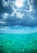Beautiful waters of the caribbean sea near saona island — Stock Photo
