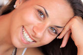 Portrait of a beautiful woman smiling — Stock Photo