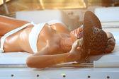 Modelo de joven y sexy bikini — Foto de Stock