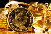 John Paul II coin with Jewels and gold coins — Photo