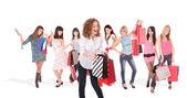 Einkaufsmöglichkeiten, lächelnde Frau — Stockfoto