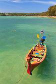 łódź w phuket tajlandia — Zdjęcie stockowe