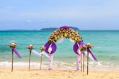 Flower decoration at the beach — Stock Photo
