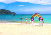 Flower decoration at the beach wedding — Stock Photo