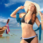 Beautiful woman on the beach. — Stock Photo #20099739