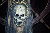 Pirate skull on ship — Stock Photo
