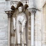Sculptures of saints of Notre Dame de Paris — Stock Photo #23898531