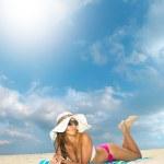 Beautiful young woman in bikini — Stock Photo