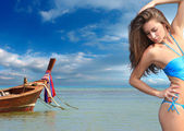 Beautiful woman on the beach. — 图库照片