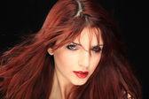 Ritratto di donna bella lunghi capelli rossi capelli — Foto Stock