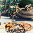 Gold wedding rings — Stockfoto #25987297