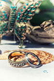 Gold wedding rings — Stok fotoğraf
