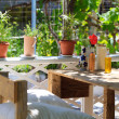 Outdoor restaurant table — Stockfoto