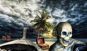 Pirate skeleton on a desert island — Stock Photo