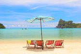 Beach Umbrella and chairs Phi Phi Island — Stock Photo