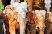 Dřevěný slon v chrámu — Stock fotografie