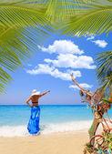 Summer vacation woman on beach — Stock Photo