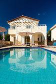 Luxe villa met zwembad — Stockfoto