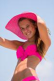 Jonge vrouw zeilen — Stockfoto