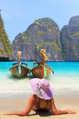 Young woman at Maya bay Phi Phi Leh island — Stock Photo
