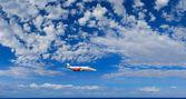борту самолета в небе — Стоковое фото