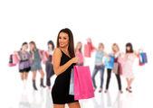 Szczęśliwa kobieta z torby na zakupy — Zdjęcie stockowe