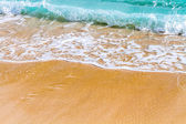 Ondas suaves do mar na praia — Foto Stock