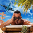 Man on the tropical beach — Stockfoto