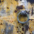 Decaying door at Cemetery in paris — Stock Photo