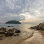 Sunrise on the beach in Phuket — Stock Photo