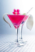 Cocktail with caviar and flower petals — Stock Photo