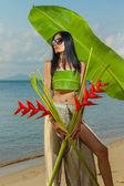Thai girl on the beach  — Stock Photo