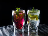 Mojito cocktails - original and strawberry — Stock Photo
