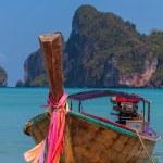 Boat in Phi Phi island Thailand — Stock Photo #51063527