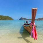 Boat in Phi Phi island Thailand — Stock Photo