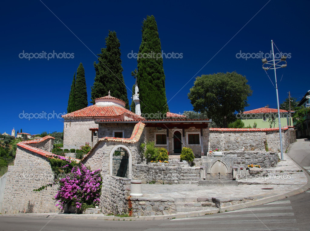 Villa house in mediterranean country at sunny day  Foto Stock #12948491