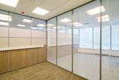 Interior de edifício de escritório comum — Foto Stock