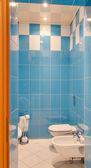 厕所内部 — 图库照片