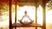 Woman meditating — Stock Photo
