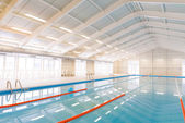 Indoors swimming pool — Stock fotografie